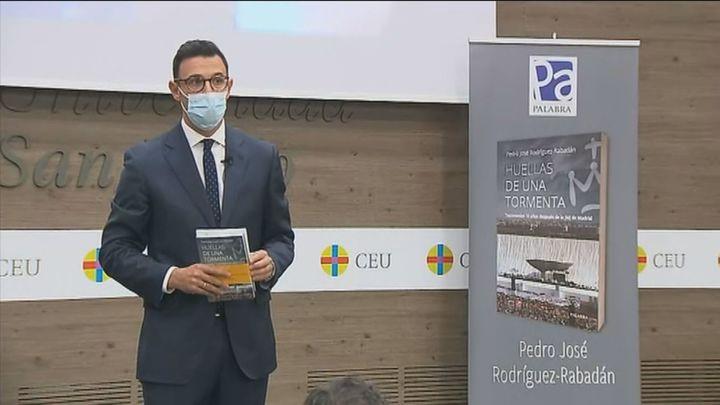 Rabadán presenta su libro 'Huellas de una tormenta', 10 años después de la JMJ de Madrid