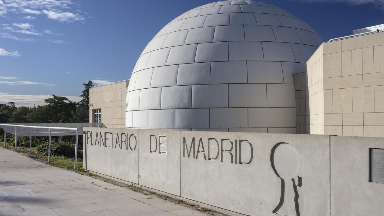 Planetario de Madrid, 35 años mirando desde Madrid al cielo