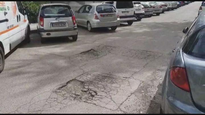 Los vecinos de Aluche denuncian el mal estado de sus calles
