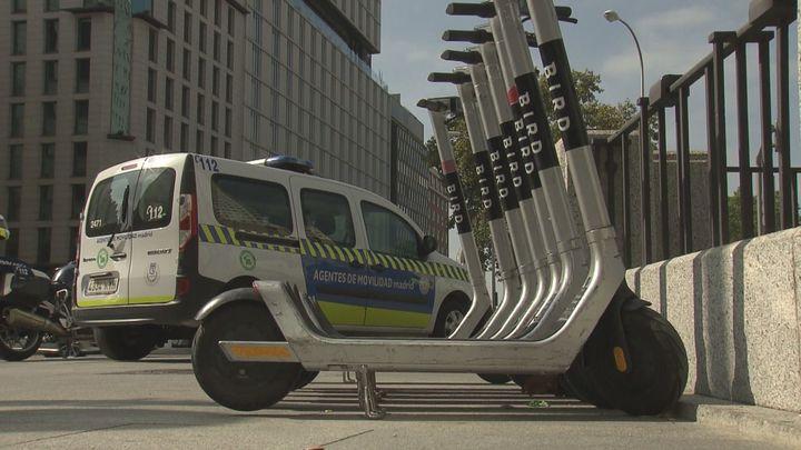 La Policía Municipal de Madrid inicia una campaña para el correcto uso de patinetes y bicicletas