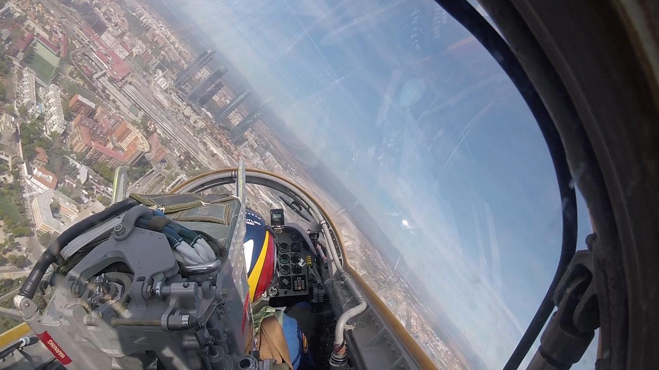 Espectacular Madrid... vista desde un avión militar de la Patrulla Águila