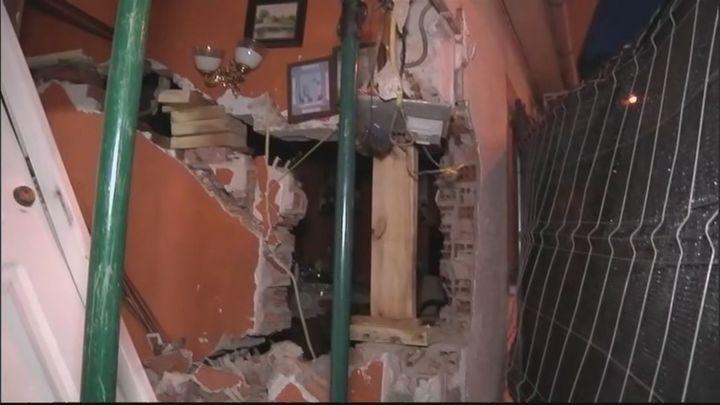 Un camión se estrella contra una vivienda en Arganda del Rey