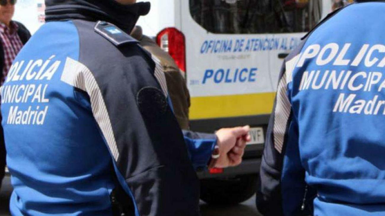 Pillan a dos personas con 12.000 euros en billetes tintados en Puente Vallecas