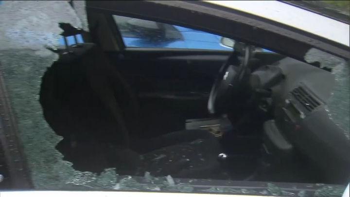 Decenas de coches afectados por los actos vandálicos en el Parque del Oeste