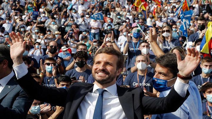 Casado promete, ante 9.000 personas en Valencia, un cambio para España