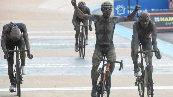 Colbrelli gana en el infierno de la París-Roubaix
