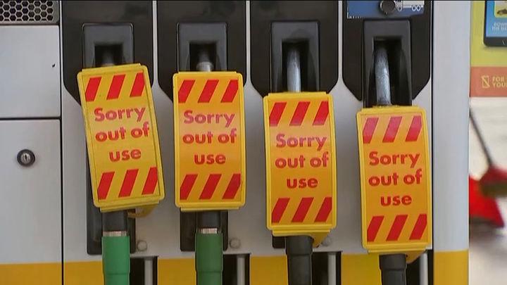 200 militares comienzan a distribuir gasolina en el Reino Unido