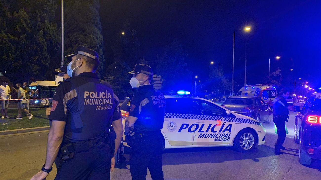 Agentes de paisano contra los macrobotellones en Madrid, con especial vigilancia en las Fiestas del Pilar