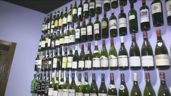 Bodega Matritense, el único establecimiento que elabora vino bajo el suelo de Madrid