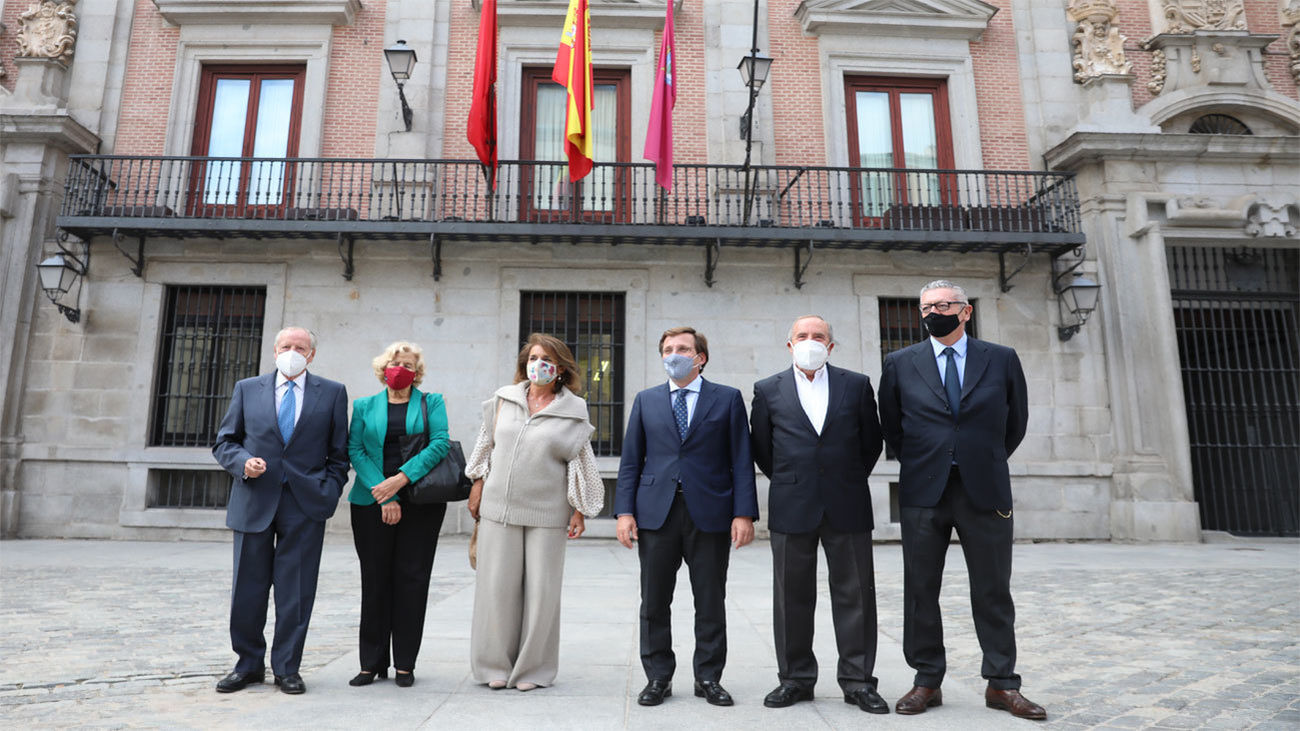 'Cumbre de alcaldes' por la incorporación de los retratos de Carmena, Botella y Ruiz-Gallardón