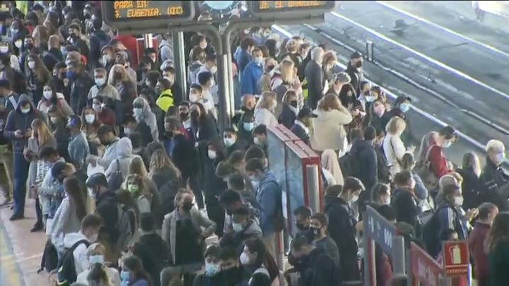 Renfe suprime 92 trenes de Cercanías  en Madrid  y acusa a los maquinistas de incumplir los servicios mínimos