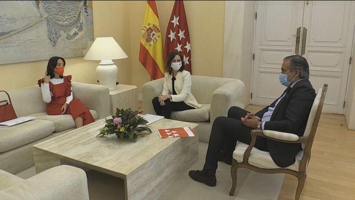 Ayuso aborda con la Delegada del Gobierno la colaboración para hacer frente al botellón