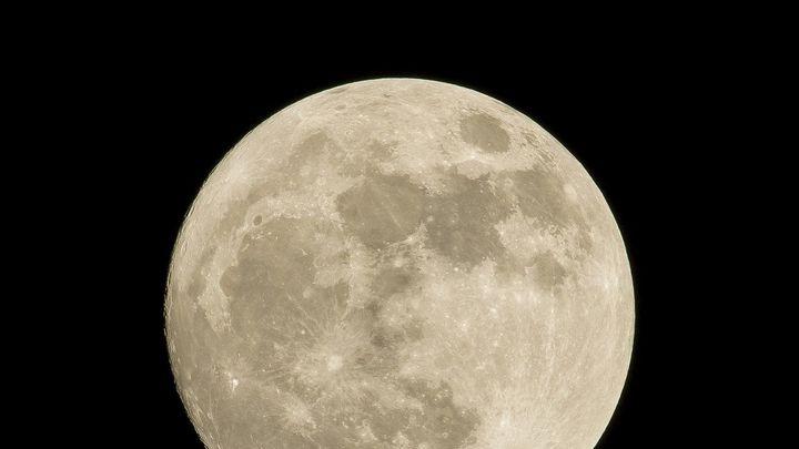 Un nuevo estudio revela que la luna puede influir en el sueño, ¿de qué manera?