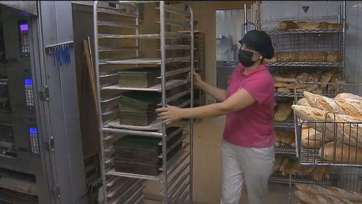 Los obradores madrileños cambian la forma de hacer el pan por la disparatada subida de la luz