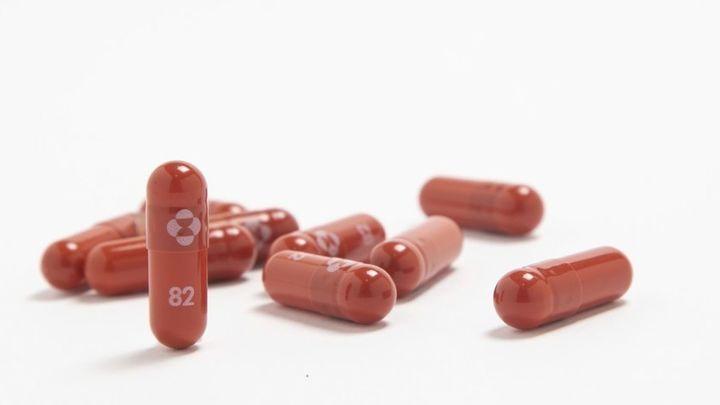 Una pastilla antiCovid para reducir a la mitad el riesgo de hospitalización y el 100% de las muertes
