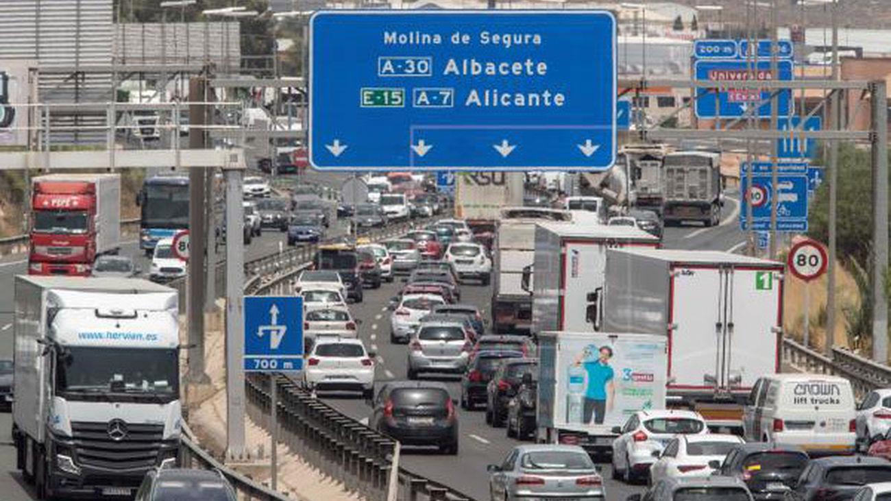Tráfico prevé más de siete millones de viajes por carretera durante el Puente del Pilar