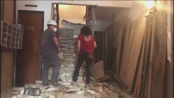 Testigos del hundimiento de la escalera en un edificio de Móstoles narran en Madrid Directo lo que han vivido