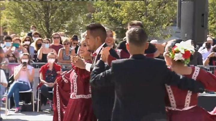 Pasacalles latinoamericanos para celebrar el día de la Hispanidad en las calles de Madrid