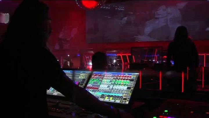 Largas colas en las discotecas de Madrid, en la primera noche con las pistas de baile abiertas