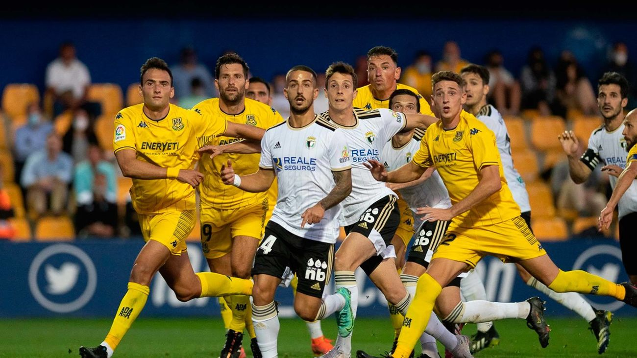1-0. David Fernández da un respiro al Alcorcón