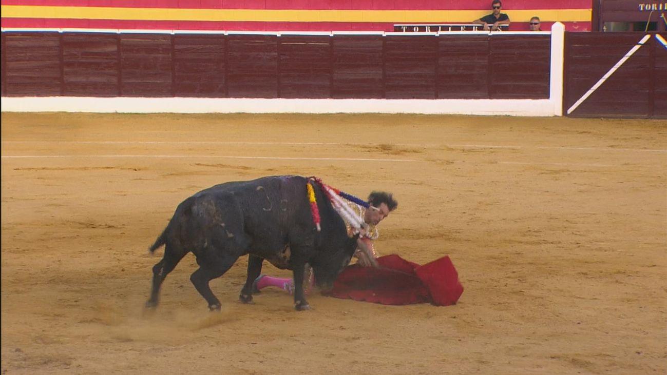Paulita, fisura en esternón y en una vértebra por la cogida en Villa del Prado