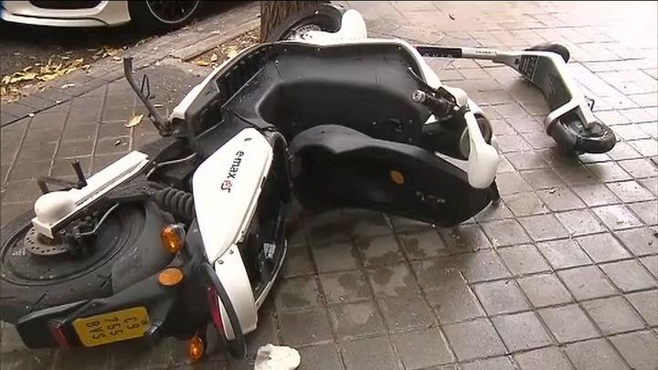 Negocios vandalizados, escaparates rotos, coches destrozados, así amaneció el barrio de Argüelles