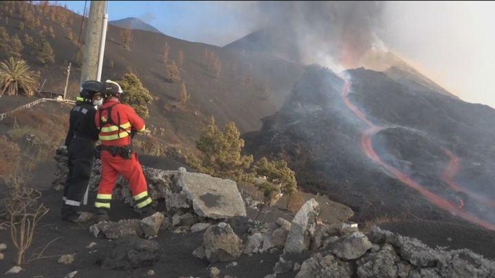 El volcán de La Palma destruye lo que quedaba de Todoque y expulsa bloques del tamaño de casas de tres pisos