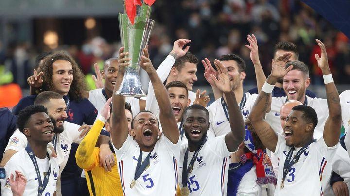 1-2. España sufre la remontada francesa con un polémico gol de Mbappé