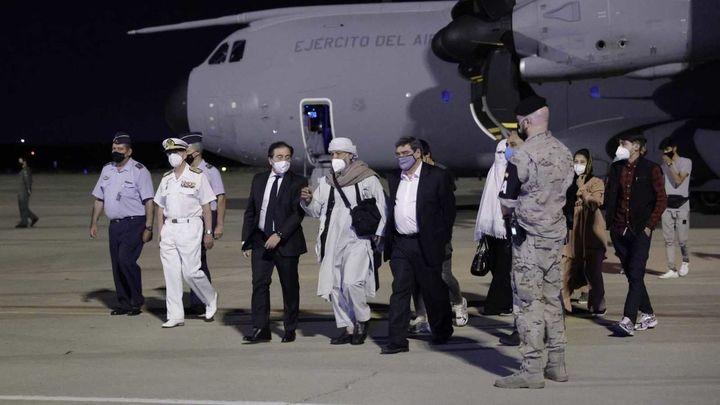 Un vuelo con más de 80 colaboradores afganos llega esta noche a Torrejón desde Pakistán