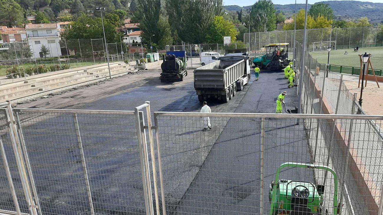 Villar de Olmo renueva el complejo deportivo municipal y las pistas de Eurovillas