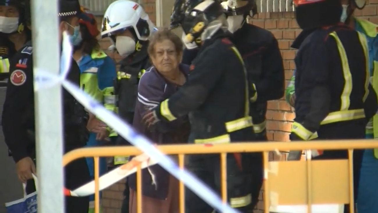 Realojan a las familias afectadas por el derrumbe de una escalera en Móstoles