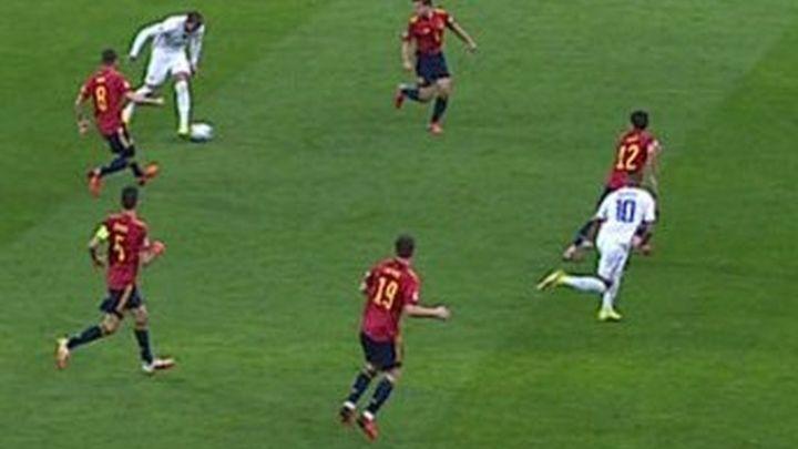 "Esquinas Torres sobre el gol  de Mbappé: ""Es un fuera de juego de libro"""