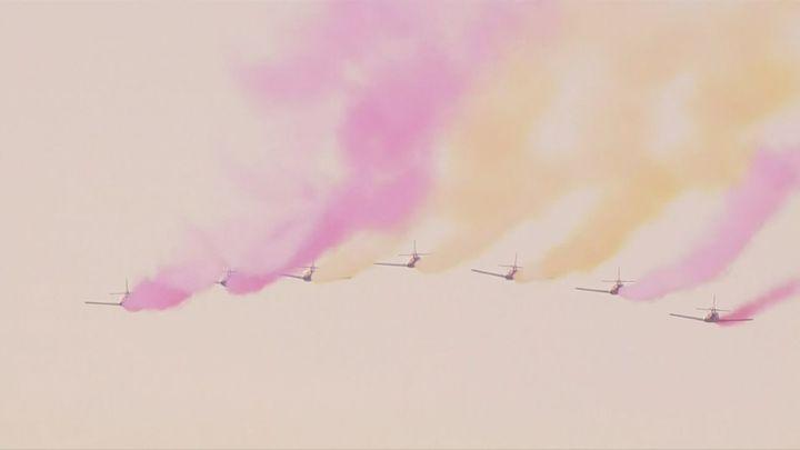Desfile aéreo, con protagonismo de la Patrulla Águila