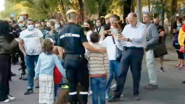 Los madrileños arropan a las Fuerzas Armadas en el desfile del 12 de octubre