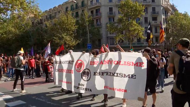 Grupos de izquierda se manifiestan en Barcelona contra el 12 de octubre