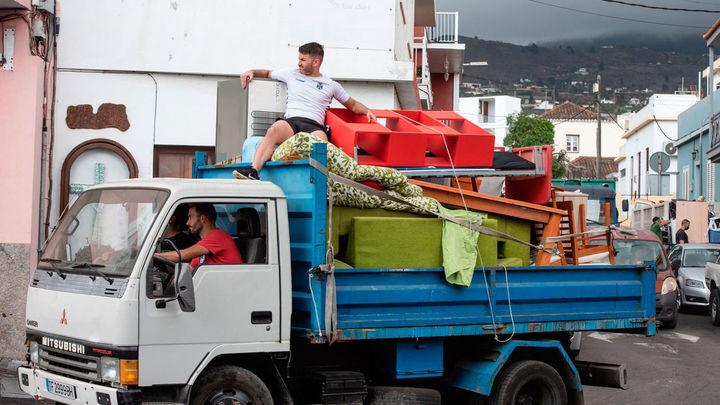 El volcán de La Palma no da tregua y obliga a evacuar a otras 800 personas