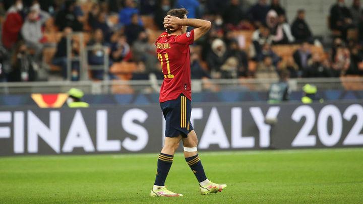 España se complica su camino al Mundial de Catar