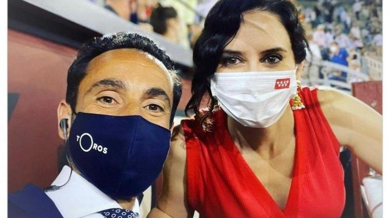 Instagram censura una foto de Ayuso en la plaza de toros de las Ventas
