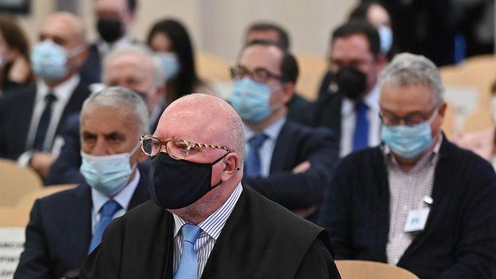 Villarejo vuelve a sentarse en el banquillo en el primer juicio de la macrocausa 'Tándem'
