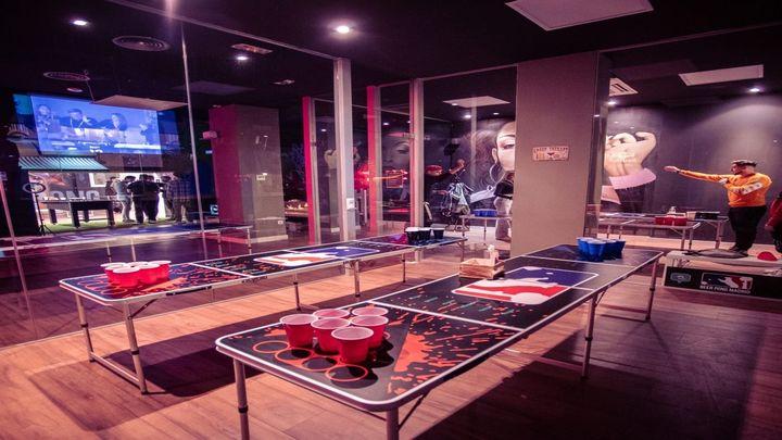 Llega a Madrid un local exclusivo para jugar al 'beer pong', en Lavapiés