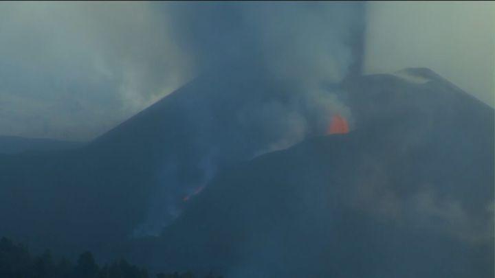 La colada del volcán de La Palma obliga a más evacuaciones