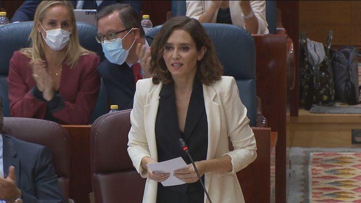 """Díaz Ayuso dice que se ha pasado del """"España nos roba"""" a """"robar a Madrid"""""""