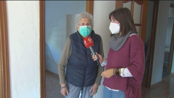 """La anciana que perdió su casa en Leganés por unos okupas recupera su vivienda: """"Se lo han llevado todo"""""""