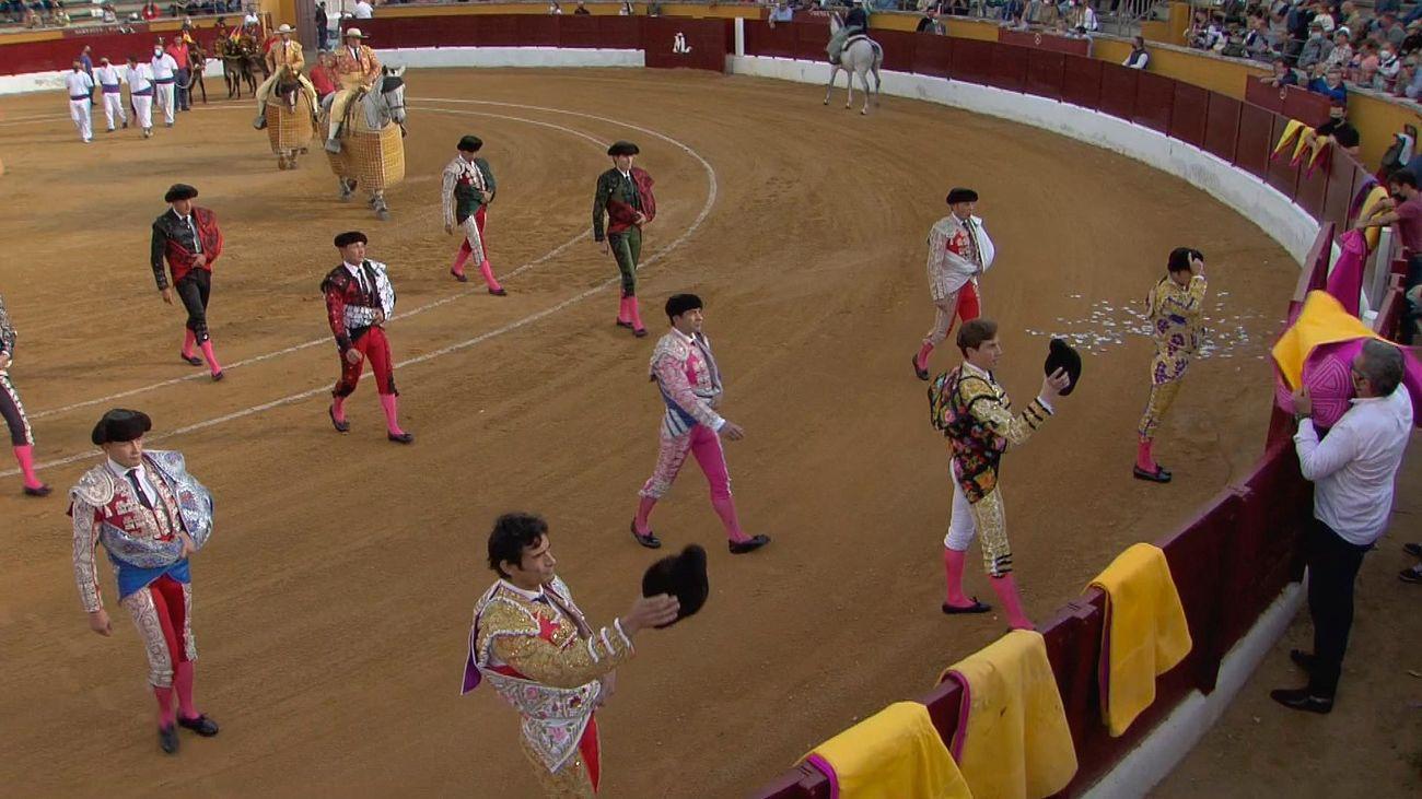 Arranque de la segunda semifinal de la Copa Chenel en San Agustín de Guadalix