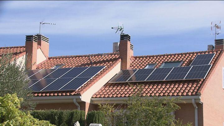 Crece la demanda de placas solares ante la escalada imparable del precio de la luz