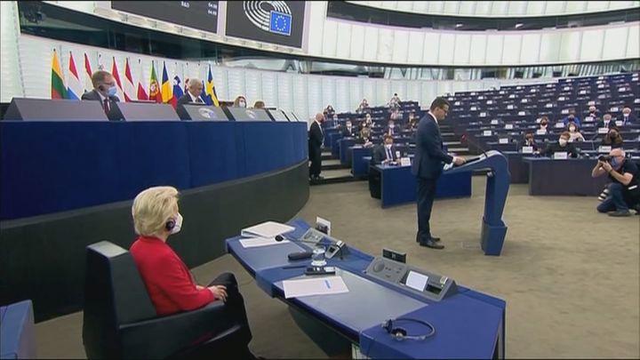 Reprimenda a Polonia en el Parlamento europeo mientras el primer ministro dice que no admite chantajes