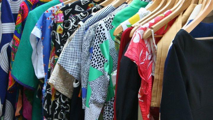 ¿Ha llegado el momento de hacer el cambio de armario o las temperaturas nos dejarán seguir usando ropa de verano?