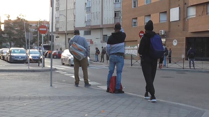Tras la pista de reclutadores 'ilegales' en Plaza Elíptica