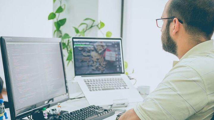 Orientación laboral: ¿Cómo enfrentarse a una entrevista de trabajo en vídeo sin interlocutor?