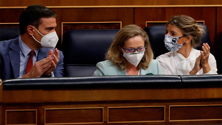 Sánchez reunirá el martes a Calviño y Díaz para fijar la posición del Gobierno en la reforma laboral